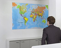 Карта мира, мужчина