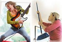 Женщина с гитарой, женщина с метелкой