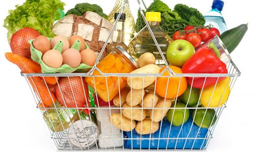 Покупательская корзина с продуктами