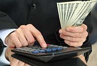 Калькулятор, деньги, мужчина