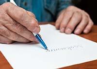 Мужчина, ручка, заявление