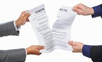 Руки, порванный документ