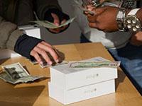 Iphone, деньги