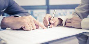 руки, ручка, листки