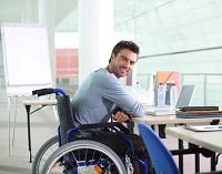 Мужчина с инвалидностью